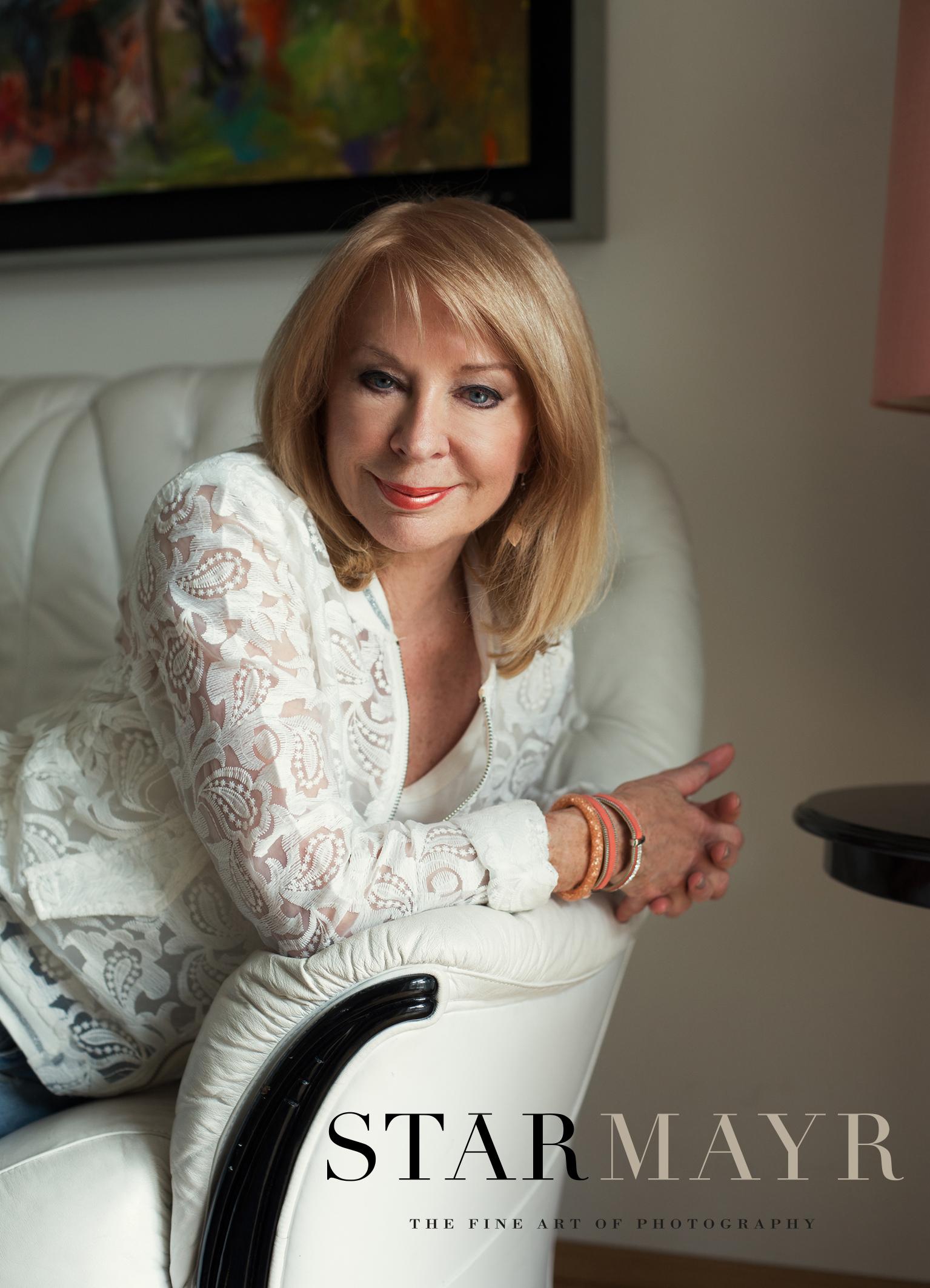 Sabine Starmayr, Fotografin, Gerda Rogers, Astrologin 5